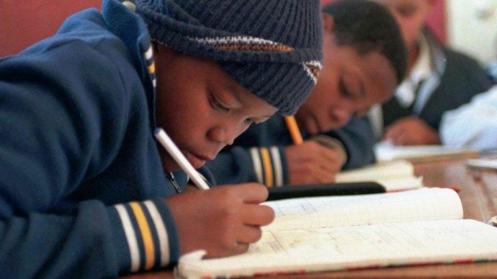 ЮНЕСКО: Более 600 млн детей в мире не умеют писать и считать