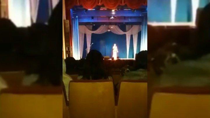 Популярная татарская певица скончалась во время открытия концерта (видео)