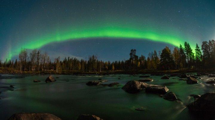 В Лапландии сняли красочное северное сияние