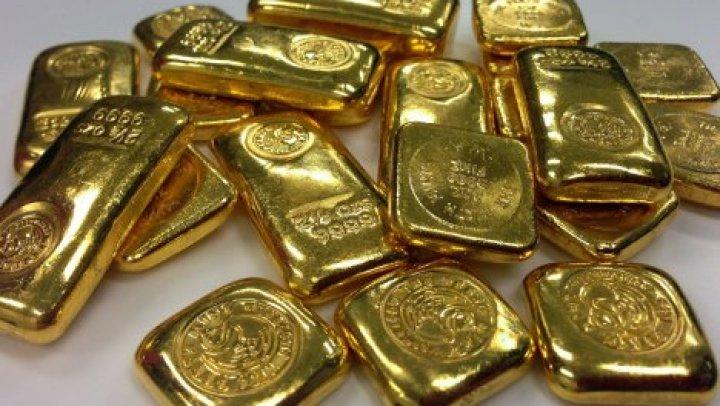 Житель Франции получил по почте бандероль с золотом вместо купальника