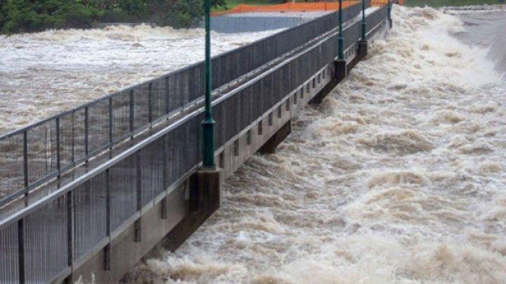 В Австралии наводнение, эвакуировали несколько тысяч человек