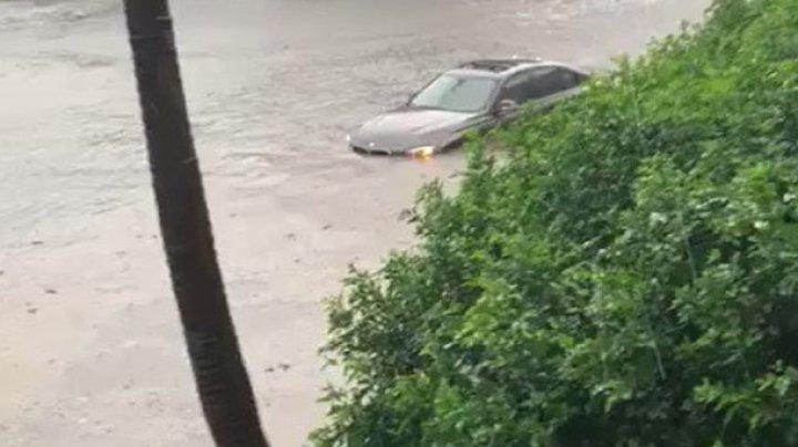 На Сидней обрушился шторм: спасатели эвакуировали девять человек