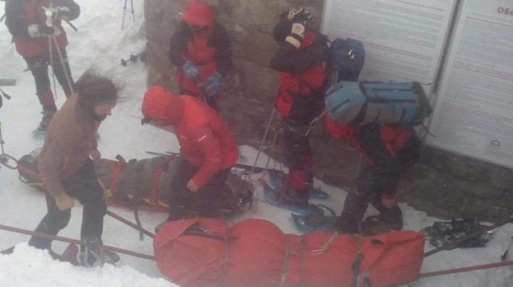 В Карпатах спасатели начали эвакуацию туристов с горы Поп Иван