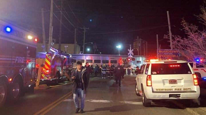 В Нью-Йорке поезд врезался в грузовик: трое погибли