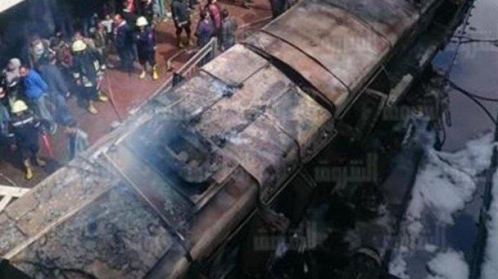 В пожаре на вокзале Каира погибли десятки людей