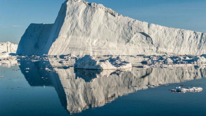 Подо льдом Гренландии нашли ещё один метеоритный кратер