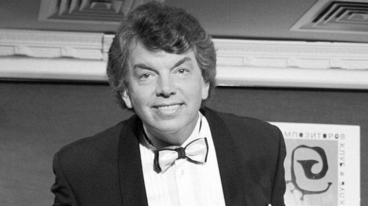 В Москве ушел из жизни легендарный певец Сергей Захаров