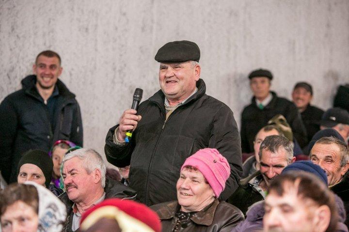 Планы для Ниспорен: Влад Плахотнюк обсудил с жителями четырех сел их ожидания (фото)