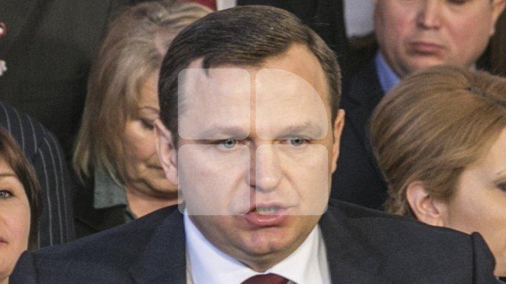Андрея Нэстасе снова освистали избиратели: Цоп в тюрьму! Долой Нэстасе! Марш домой!
