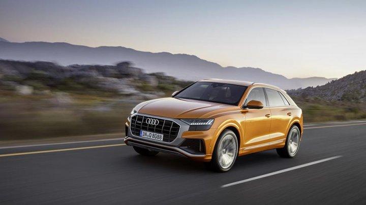 Кроссовер Audi Q8 получит два новых двигателя