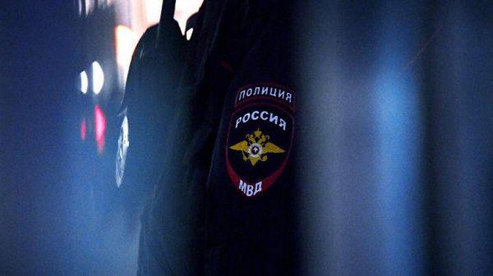 В Москве полицейский обстрелял машину злоумышленника, который наехал ему на ногу