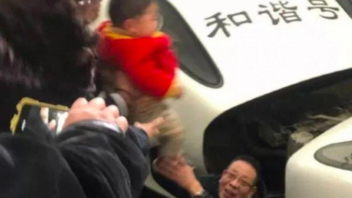 Ребенок упал под скоростной поезд и выжил
