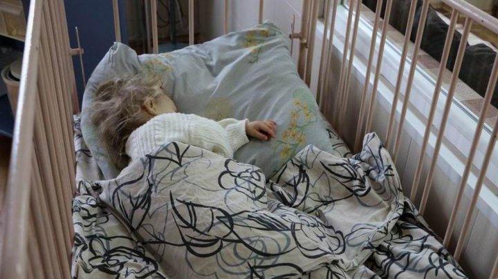 Трехлетняя девочка осталась одна дома на неделю и умерла
