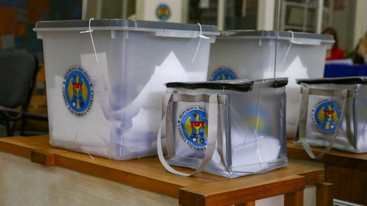 Молдова выбирает PUBLIKA: Кто был первым проголосовавшим и на каком участке