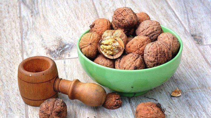 Ученые: Грецкие орехи снижают риск развития депрессии