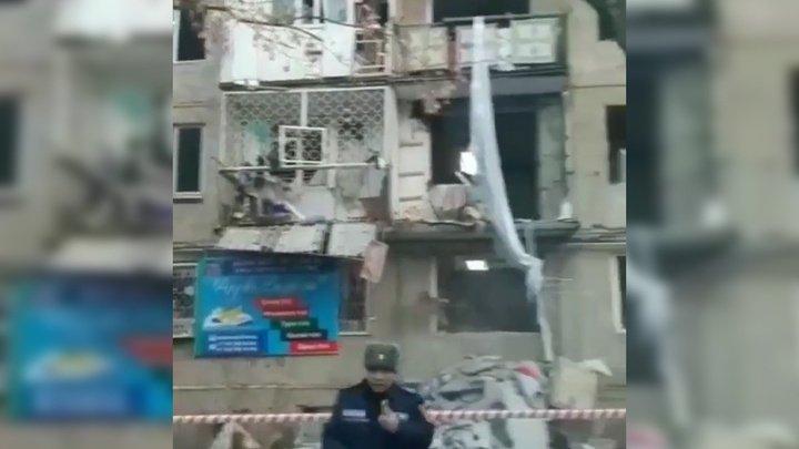 Взрыв в жилом доме в Казахстане: под завалами найдено девять человек