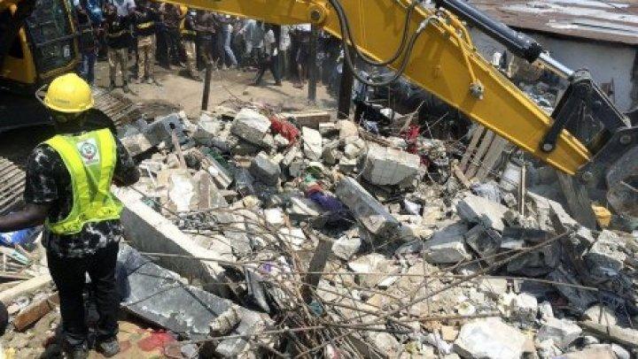 Из-под завалов школы в Нигерии извлекли 19 человек