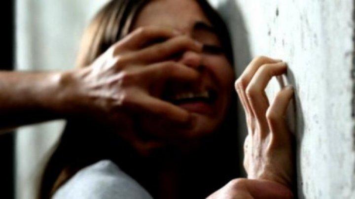 Житель Теленешт насиловал 12-летнюю дочь сожительницы на протяжении нескольких месяцев