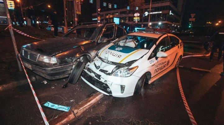Пьяный подроосток на угнанном авто протаранил патрульных в Киеве