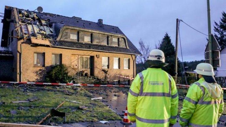 В Германии торнадо разрушил десятки домов (фото)