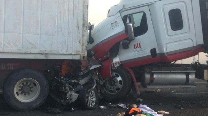 В Мексике столкнулись 15 авто, погибли пять человек (видео)