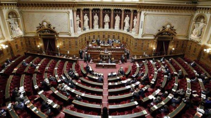 Во Франции приняли закон против насилия во время акций протеста