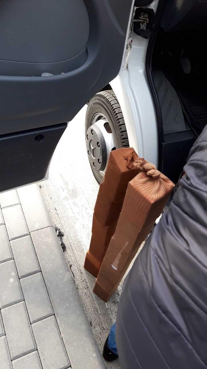Контрабанда мобильных телефонов была найдена в микроавтобусе, который ехал по маршруту Одесса-Кишинев (фото)
