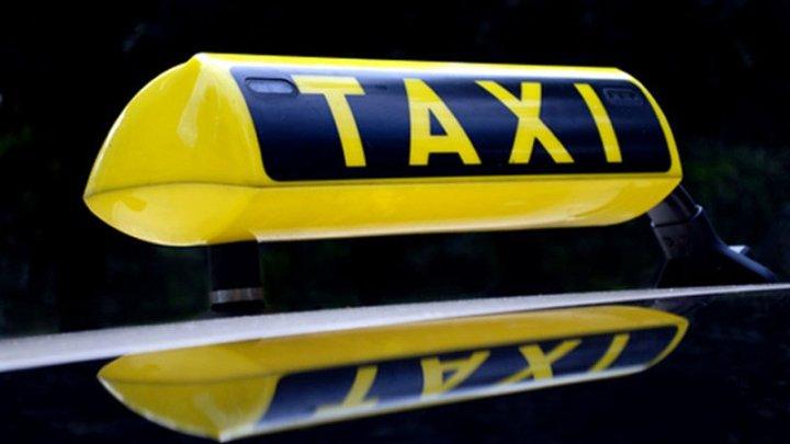 В Пакистане женщины стали чаще работать в службах такси