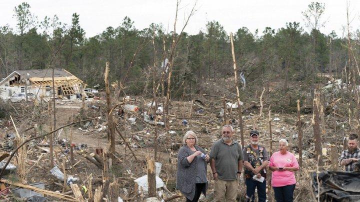 В США более 20 тысяч человек остались без электричества из-за ураганов