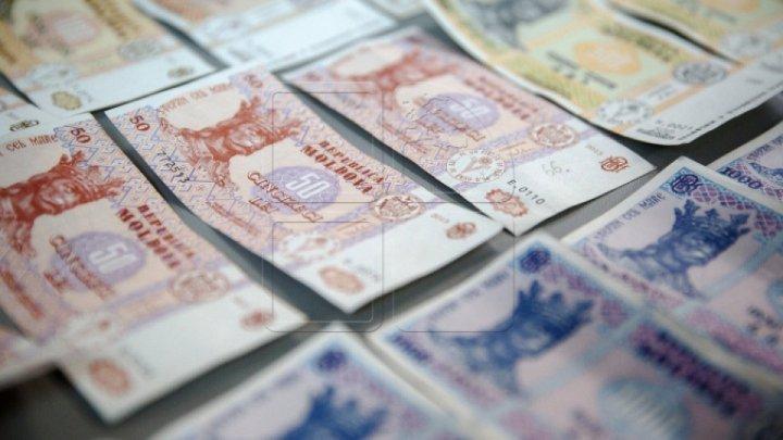 Жители Молдовы хранят в банках больше двух миллиардов леев