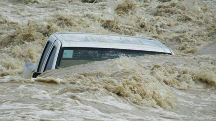 Число погибших при наводнении в Иране увеличилось до 17 человек