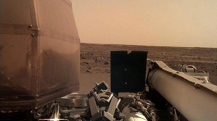 Зонд InSight впервые пробурил поверхность Марса