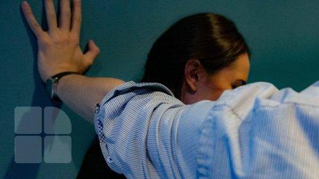 """Жительница Каушан обвиняет сожителя-полицейского в рукоприкладстве: """"Он бил меня в живот. Наверное, чтобы я потеряла ребёнка"""""""