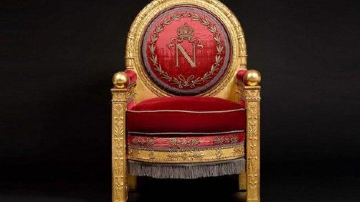 Трон Наполеона продали на аукционе за 500 тысяч евро