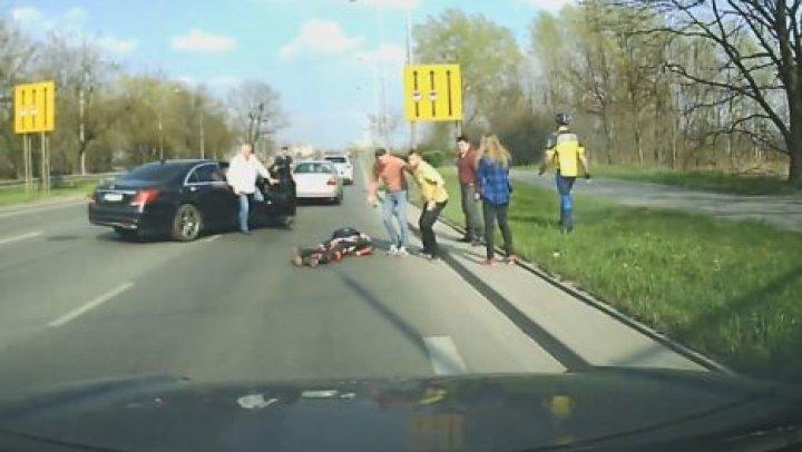 В Польше мотоциклист попал в больницу после столкновения с оленем (видео)
