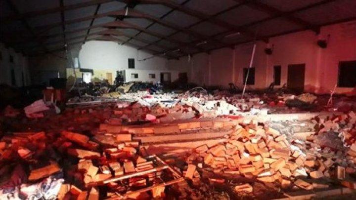 СМИ: В ЮАР 13 человек погибли в результате обрушения крыши церкви