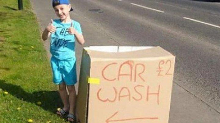 Ребенок помыл десятки машин ради покупки цветов на могилу бабушки