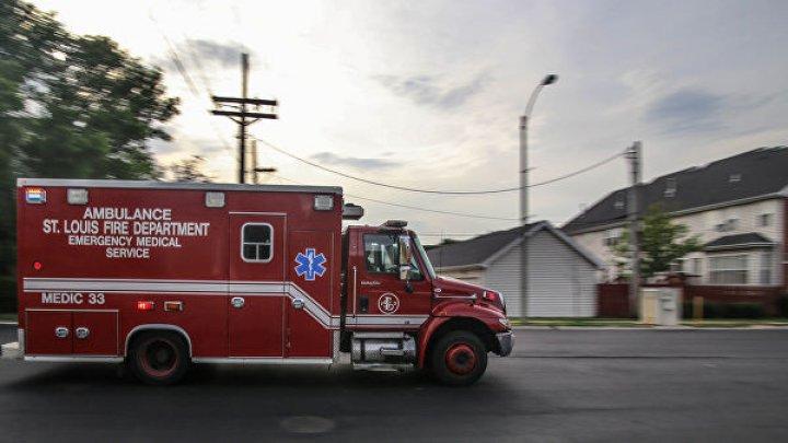 В США ребенок выжил, упав с шестого этажа