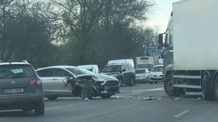 Авария на Буюканах: столкнулись грузовик и легковой автомобиль (фото)