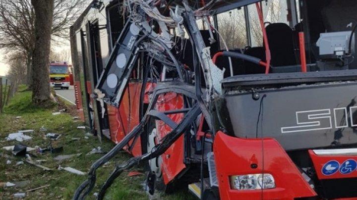 В Германии автобус с детьми попал в ДТП: 30 пострадавших