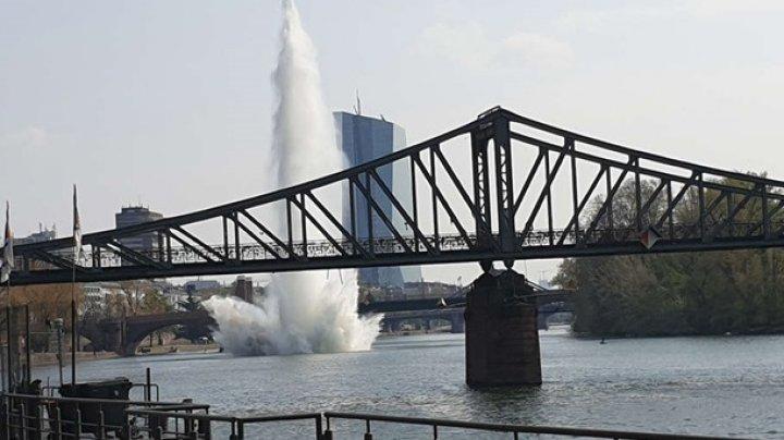 В Германии в реке взорвали 250-килограммовую бомбу