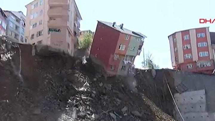 В Стамбуле из-за оползня рухнул четырехэтажный дом