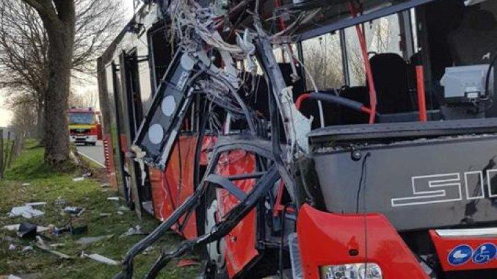 В Германии автобус со школьниками попал в ДТП