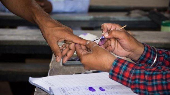 "В Индии мужчина отрезал себе палец, проголосовав ""не за ту"" партию"