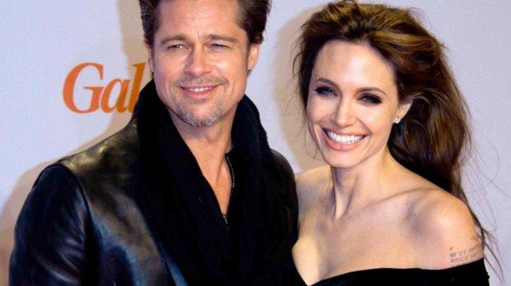Анджелина Джоли затягивает процесс развода, чтобы вернуть Брэда Питта