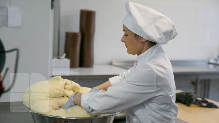 Хлебныe комбинаты по всей стране приступили к выпечке пасхальных куличей