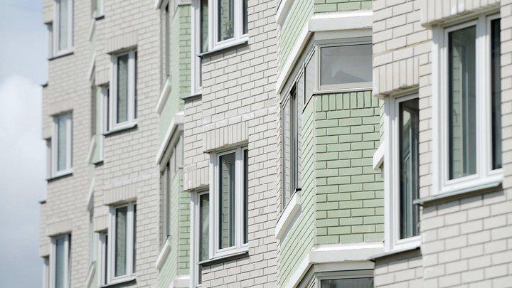 В Тюмени девочка упала с десятого этажа, делая селфи