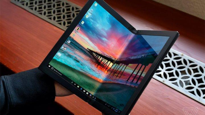 Lenovo показала первый в мире прототип ноутбука с гибким экраном