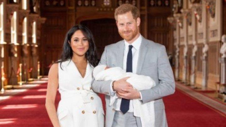 Опубликовано первое фото сына принца Гарри и Меган Маркл