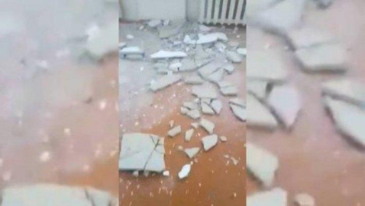 В Бельцах в школе обвалился потолок